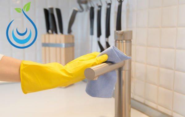 طريقة تنظيف المطبخ وترتيبه