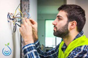 اصلاح اعطال كابلات الكهرباء بدون تكسير بالرياض, فحص اعطال كابلات الكهرباء بدون تكسير بالرياض, مشاكل الكابلات الكهربائية, تحديد مكان عطل الكابل, توصيل كيبل كهرباء مقطوع, جهاز كشف اعطال الكابلات